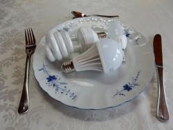 Lampen-auf-Teller